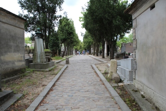 Walkway, Pere Lachaise Cemetery