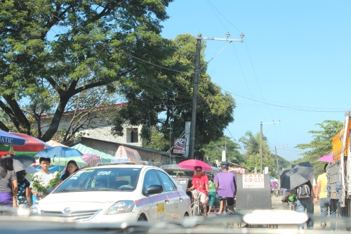 Crowded road into the cemetery