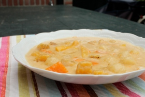 Ginataan bilo-bilo, Filipino coconut milk dessert soup.