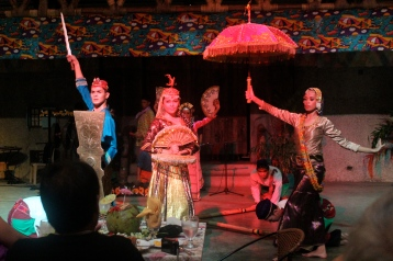 Singkil princess, suitor and lady-in-waiting