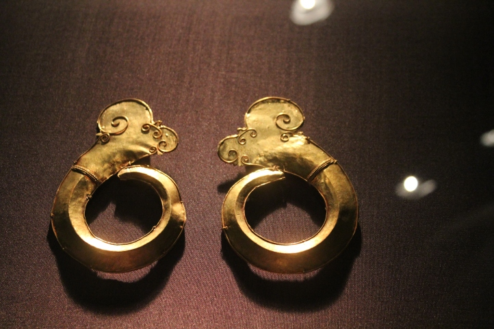 Earrings, Gold Heritage collection, Ayala Museum, Philippines