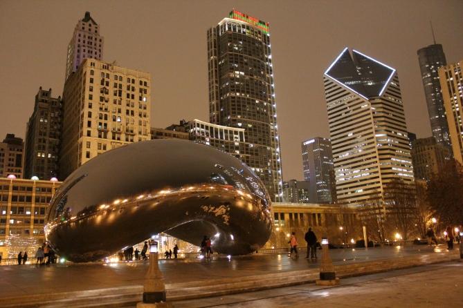"""""""Cloud Gate"""" by Anish Kapoor, Millennium Park, Chicago"""