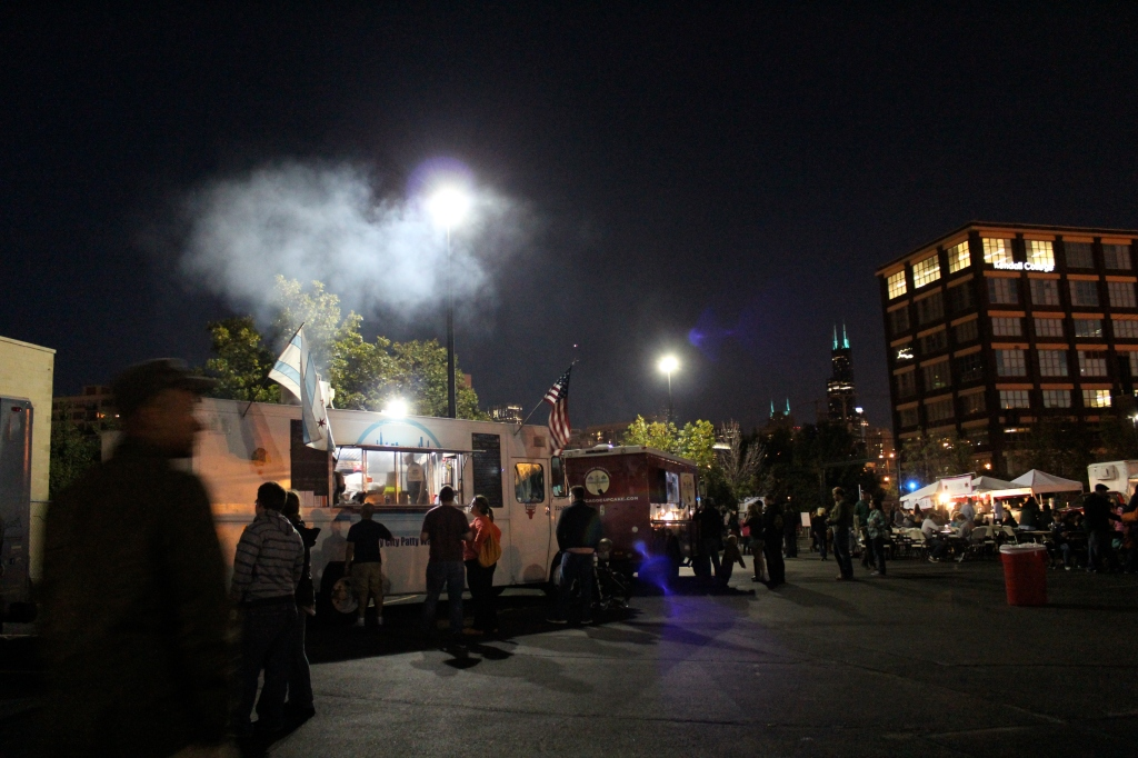 Food Truck Festival, Kendall College. Backdrop, Sears (Willis) Tower. Chicago, USA.